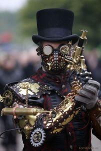 e7e2e64689e6d10e243eebf7f9daf8cb--steampunk-assassin-steampunk-mask